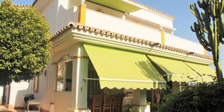 1. Villa Atalaya