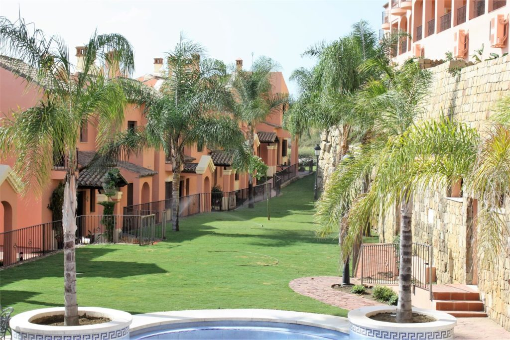 New 3 Bedroom Townhouses in Estepona