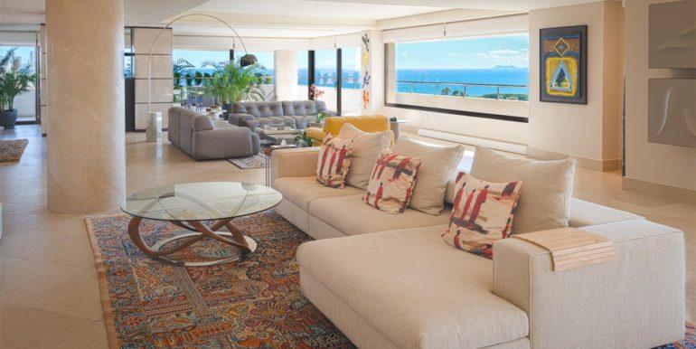 1.2 Luxury Beach Side Penthouse Marbella