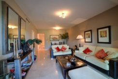 6-front-line-golf-apartment