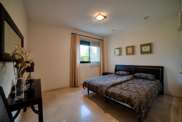 7-front-line-golf-apartment