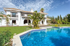 Large 8 Bedroom Villa Nueva Andalucia