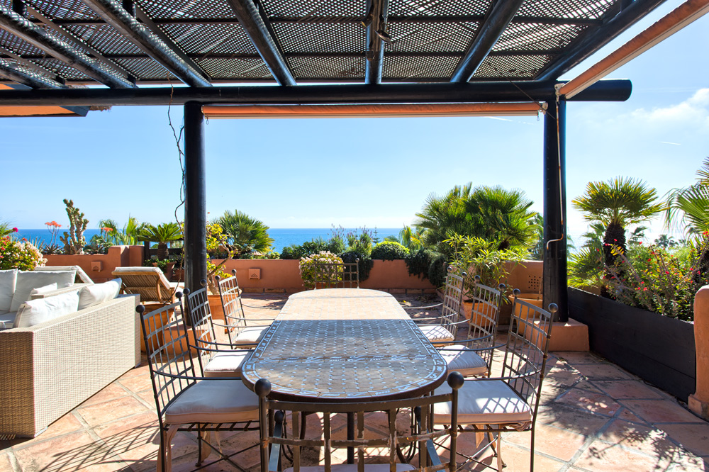 Frontline beach Penthouse Estepona